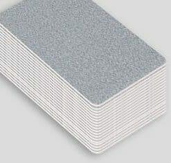 Impression badge professionnel nominatif carte plastique pvc argent brillant cardzprinter
