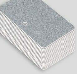 Impression badge professionnel nominatif carte plastique pvc argent paysage perforation ronde cardzprinter