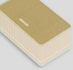 Impression badge professionnel nominatif carte plastique pvc or paysage perforation oblongue cardzprinter