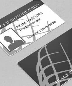impression-carte-plastique-pvc-badge-salon-gris-foncé-avec-photo