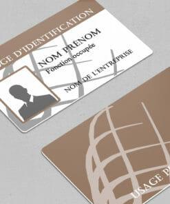 impression-carte-plastique-pvc-badge-évènement-marron-avec-photo