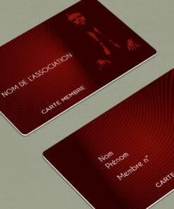 impression de carte d'adhérents en plastique PVC de couleur rouge avec les textes en blanc personnalisables