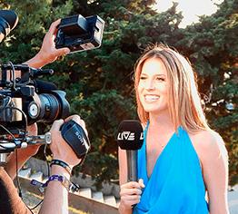 Badge journaliste en création simplifié et modèle personnalisable