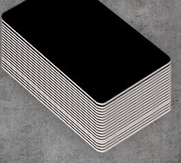 Catalogue de badge nominatif de couleur noir ou utilisant du noir