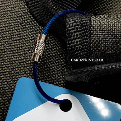 sangle bleu en acier inoxydable idéal pour attacher vos étiquettes bagage de voyage